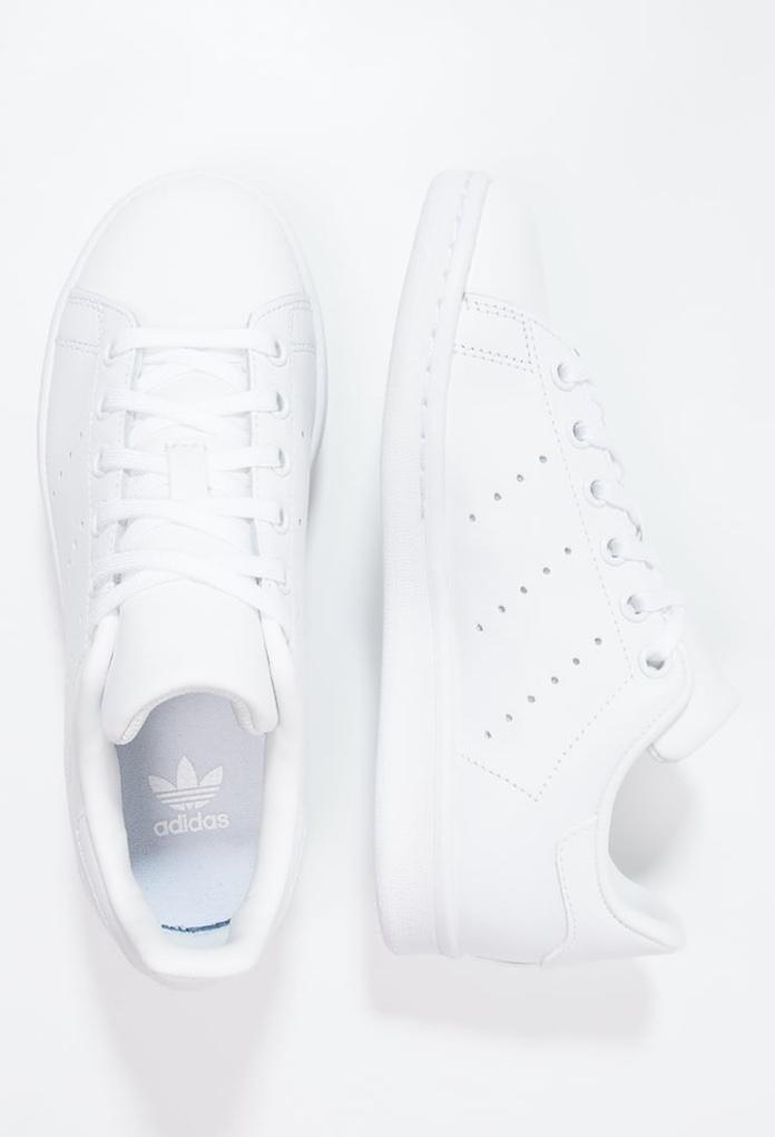 site réputé 1b6d7 a9539 Baskets Adidas Stan Smith blanches