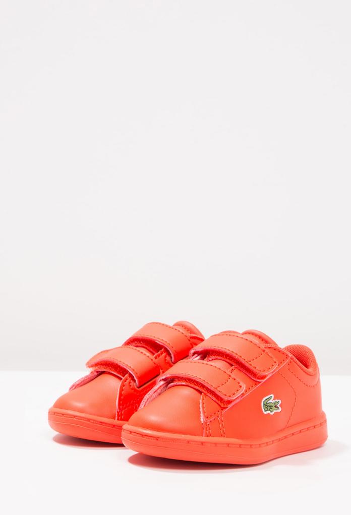 3139e5ec4141f Baskets bébé carnaby evo rouge de la marque Lacoste